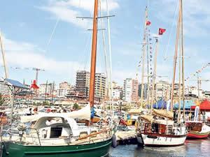 Modern ve geleneksel tekneler buluştu