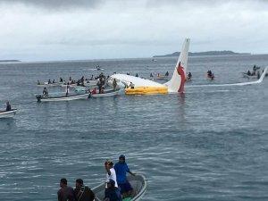 Denize Yolcu Uçağı düştü!