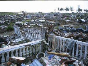 Endonezya'da ölü sayısı 1234'e yükseldi