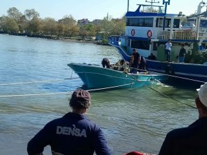 Akçakoca'da balıkçı teknesi alabora oldu: 3 kişi kurtarıldı...