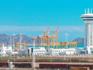Uluslararası Türkmenbaşı Limanı, New York'ta 'ENR Best Project Ödülü'nü kazandı