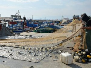 Mazot zamları balıkçıları vurdu