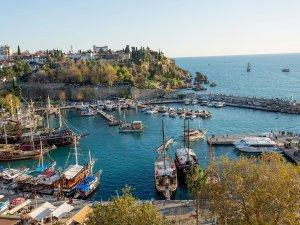 Antalya'da turizm gelirinin yüzde 20'si denizden kazanılıyor