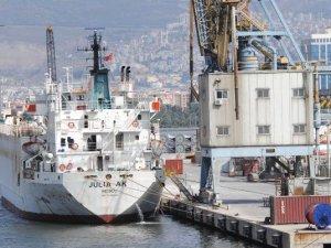 5 bin 391 angus, iki haftadır Alsancak Limanı'nda bekletiliyor