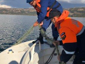 Eğirdir Gölü'nde 300 metre misina balık ağı ele geçirildi