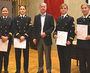 Kadın denizci adayları, Piri Reis Üniversitesi'nde buluştu