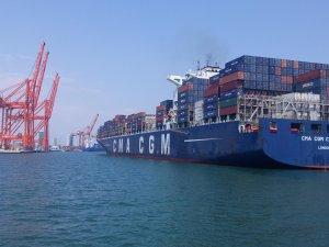 Mersin Limanı, konteyner işlem hacmiyle Türkiye'de ilk sıraya yükseldi