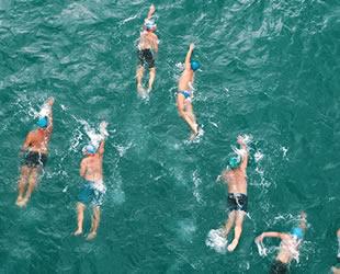 Adana Su Sporları Festivali'nde açık su yüzme yarışları nefes kesti