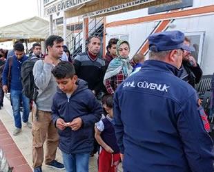 Ayvacık'ta lastik botta 46 kaçak göçmen yakalandı