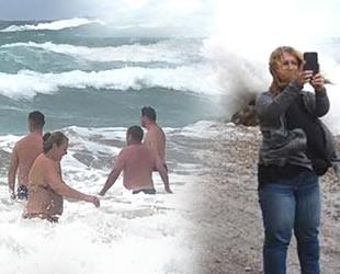 Amasra ve Alanya'da dalgalarla tehlikeli eğlence