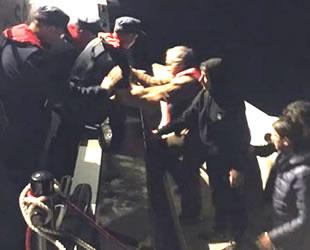 Bodrum'da göçmenlerin teknesi arızalandı, 15 kişi kurtarıldı