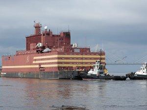 Rusya, ilk yerli yüzen nükleer güç santralini devreye soktu