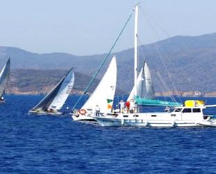 Göcek'te yelken yarışları turizmcilerin yüzünü güldürdü