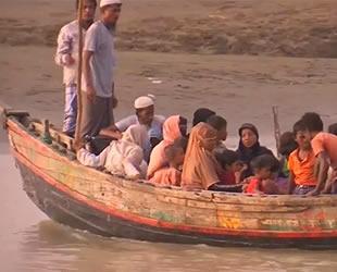 Arakanlı Müslümanlar, balıkçı tekneleriyle Malezya'ya kaçmaya çalışıyor