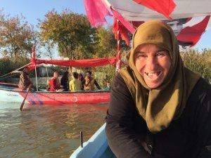 Bursa'da balıkçı kadınlar, tekneleriyle turistleri gezdiriyor