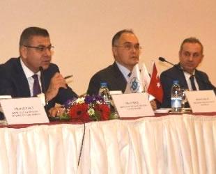 Antalya'da denizcilik sektörünün sorunları görüşüldü