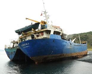 İstanbul'dan kaçırılan gemileri Yalova'da parçalamaya çalışanlar yakalandı