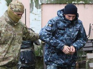 Ukraynalı 12 denizci, 2 ay hapis cezasına çarptırıldı