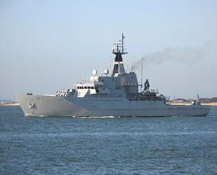 İngiltere, sığınmacıları 'donanma'yla engelleyecek