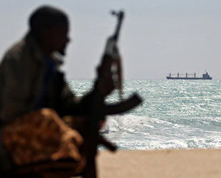 Deniz haydutları, Gine'de 6 Rus denizciyi kaçırdı