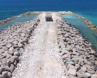 İsrail'in deniz duvarının inşası tamamlandı