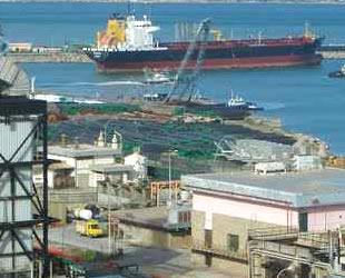 Cezayir Limanı'nda işçiler greve gitti, gemiler yük boşaltamıyor