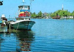 Sakarya Nehri 148 tekneyi kilitledi