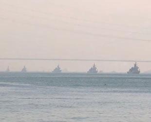 'Mavi Vatan Tatbikatı'ndan dönen gemiler İstanbul Boğazı'ndan geçti