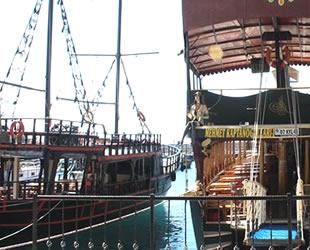 Kaleiçi Yat Limanı tekneleri bahara hazırlanıyor