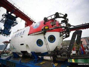 Çin'in insanlı suya batırılabilir yeni aracı görevini tamamladı