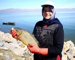 Suğla Gölü'nde sularının yükselmesi balıkçıların yüzünü güldürdü