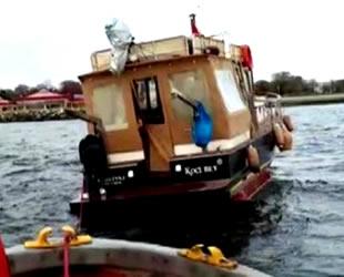 Kalamış'ta teknede mahsur kalan 6 kişi kurtarıldı