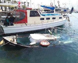 Bodrum'da iskelede 'Hayat' isimli tekne battı