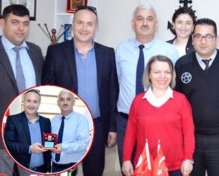 Mudanya'da 10 bininci amatör denizciye plaket verildi