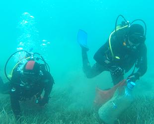 Dalgıçlar, Bodrum'da deniz dibi temizliği yaptı