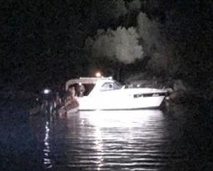 Karaya oturan teknedeki yaralıyı Sahil Güvenlik kurtardı
