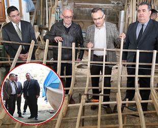 Rize Valisi Kemal Çeber, tekne imalatçılarını ziyaret etti