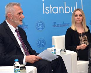 'Küresel Ekonomi ve Piyasa Analizi' paneli düzenlendi