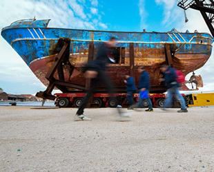 'Barca Nostra' isimli tekne, Venedik Bienali'nde sergileniyor