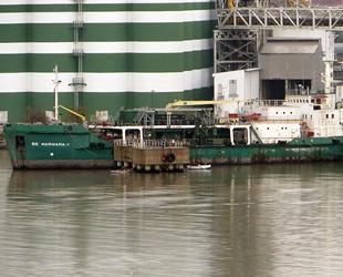 16 yıldır Derince Limanı'nda bağlı bulunan 'BS Marmara-1' isimli gemi satışa çıkarıldı