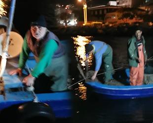 Gemlik'te kaçak avcılık yapan tekneye el konuldu