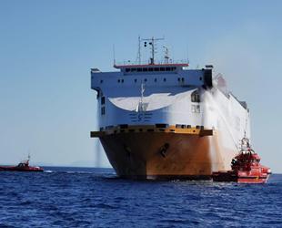 'Grande Europa' isimli kargo gemisinde yangın çıktı