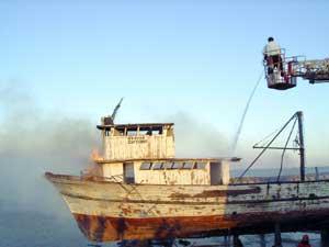 Fethiye'de iki tekne yandı
