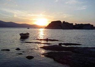 Bafa Gölü'ndeki balıklar Menderes'e kaçtı