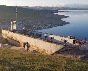 Atıl durumdaki donanma gemisinin onarımı için çalışma başlatıldı