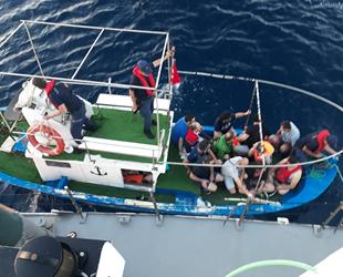 Denizde yakalan 17 FETÖ şüphelisinden 2'si tutuklandı