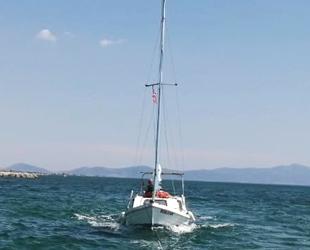 Bonjour isimli yelkenli tekne, Ayvalık'ta karaya oturdu