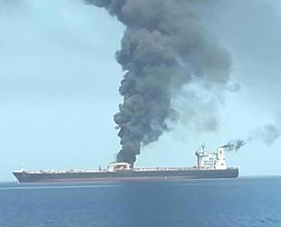 Umman Denizi'nde iki petrol tankerindeki patlama petrol fiyatlarını yükseltti