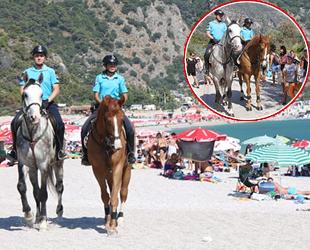 Atlı jandarmalar, sahillerde göreve başladı