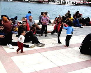 Çeşme'de 210 göçmen ve 5 organizatör yakalandı